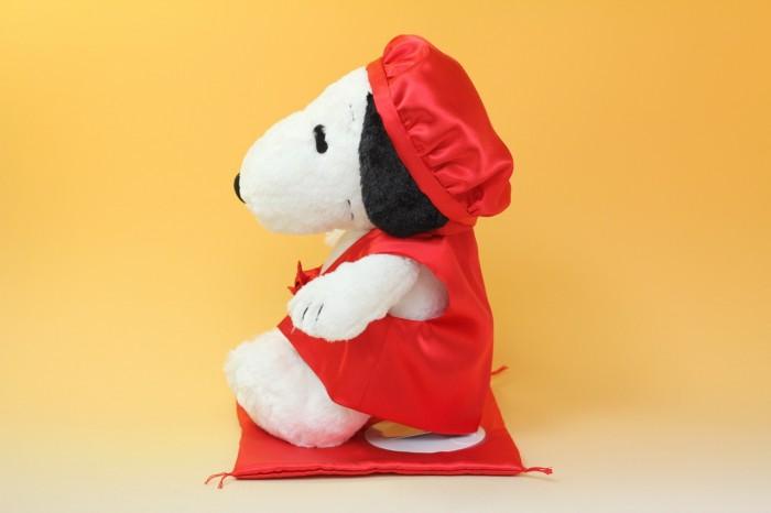 スヌーピーの還暦お祝い用赤ちゃんちゃんこ横