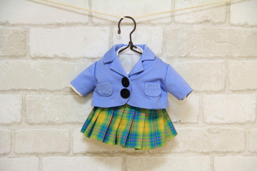 幼稚園制服のミニハンガーサイズ